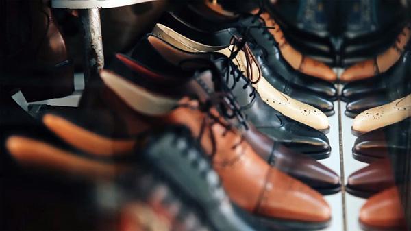 Un uomo su due compra solo scarpe   Juketown